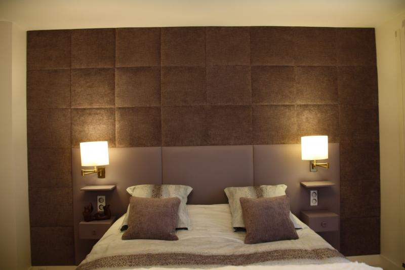 Réalisation d\'un ensemble Mural ,Tête de lit en cuir + Panneaux en tissus