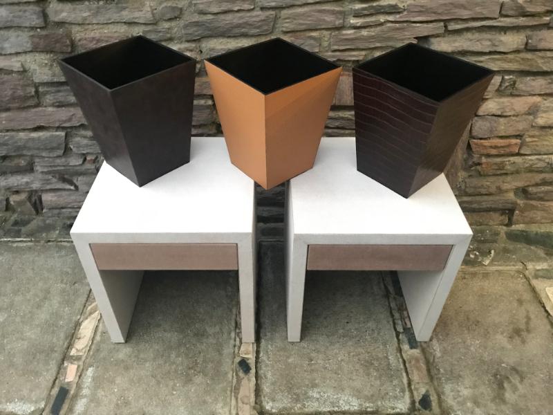Corbeilles à papier -  gainage cuir